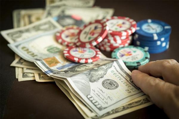 Trò chơi poker cash game là gì