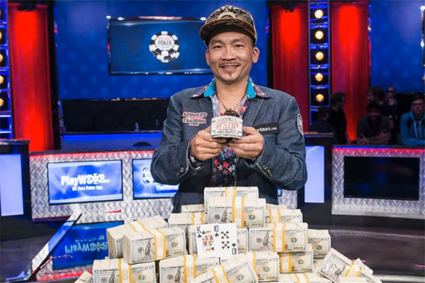 Trò chơi poker tournament là gì?