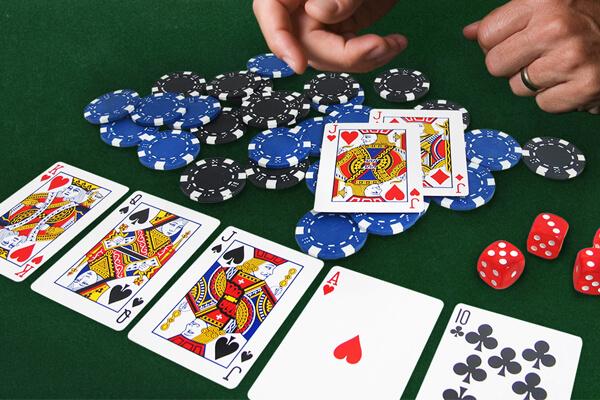 chơi poker giỏi