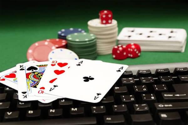 Tập chơi poker