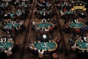 chọn bàn chơi trong Poker Online
