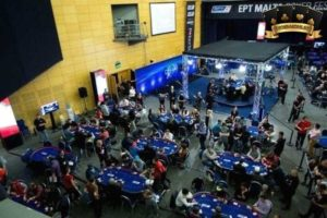 chiến thuật choi poker tournament