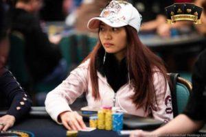 dụng cụ đánh poker
